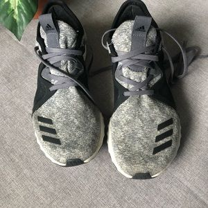 ADIDAS | Edge Luxe Bounce Running Sneakers